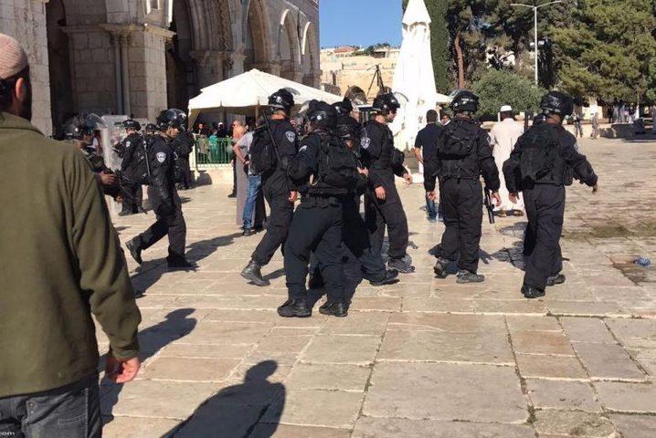 إصابات عقب اعتداء الاحتلال على المصلين بالمسجد الأقصى