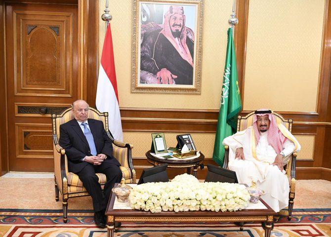 العاهل السعودي يبحث مع الرئيس اليمني تطورات الأوضاع في اليمن