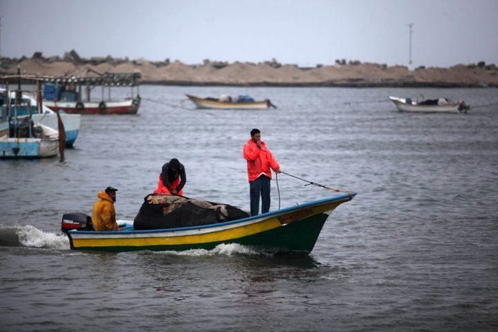 وفاة صياد أثناء عمله في عرض بحر غزة إثر نوبةٍ قلبية