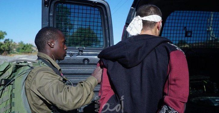 """قوات الاحتلال تعتقل فتى""""17 عاماً""""من القدس"""