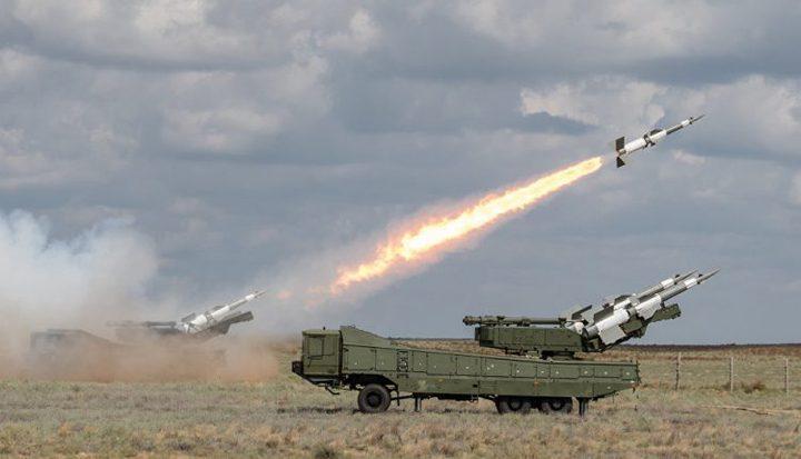 الدفاع السورية تتصدى وتدمر هدفا معاديا في منطقة مصياف بريف حماة