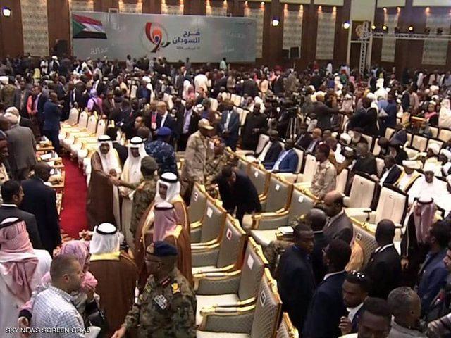 السودان: التوقيع النهائي على وثيقة الإعلان الدستوري