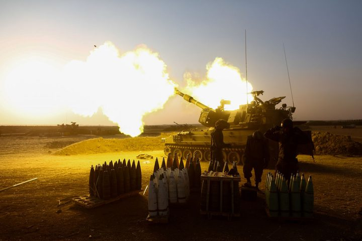 مدفعية الاحتلال تستهدف مرصدًا للمقاومة شمال غرب القطاع