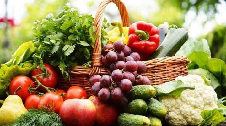 """دراسة: الأغذية الغنية بـ""""الفلافونويد"""" تبعد السرطان وتطيل العمر"""