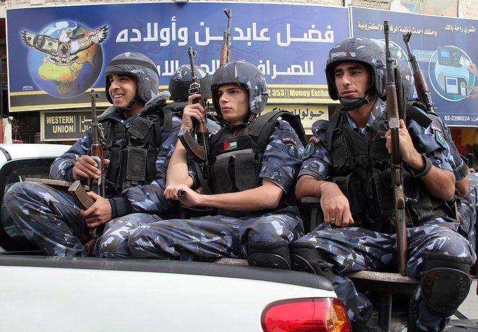 """الشرطة: سنمنع أي نشاط لتجمع """"قوس"""" للمثليين في نابلس"""