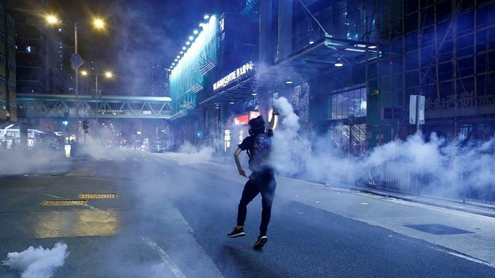 احتجاجات هونغ كونغ تتواصل وإجراءات مشددة لمنعها