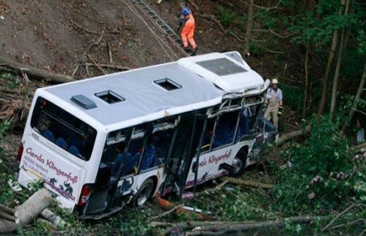 """مصرع 13 سائحا صينيا في """"لاوس"""" بحادث سير"""