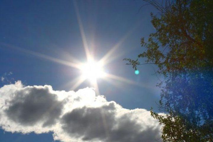 الطقس:أجواء صيفية عادية والحرارة حول معدلها العام