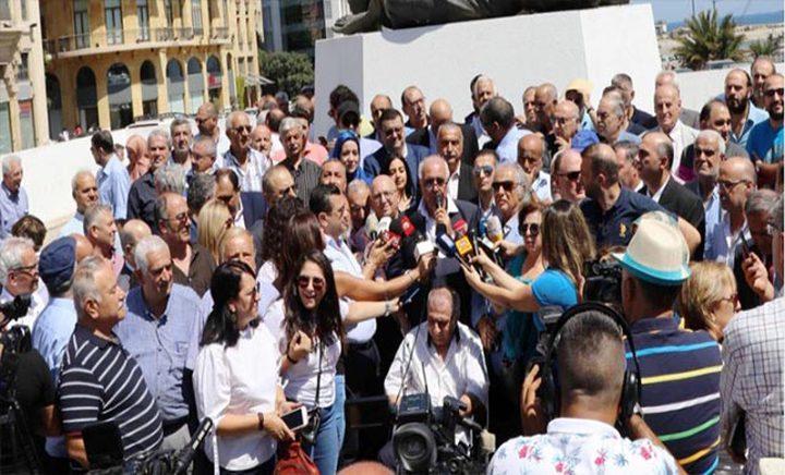 صحفيون لبنانيون يحتجون على إهمال قطاع الصحافة