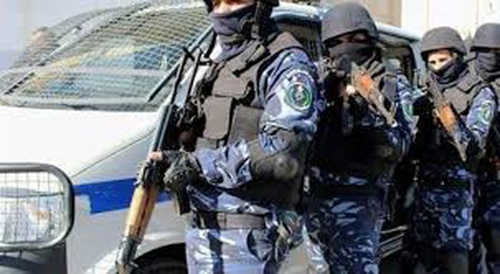 الشرطة تقبض على (14) مطلوبًا وتتلف (32) سيارة غير قانونية بنابلس
