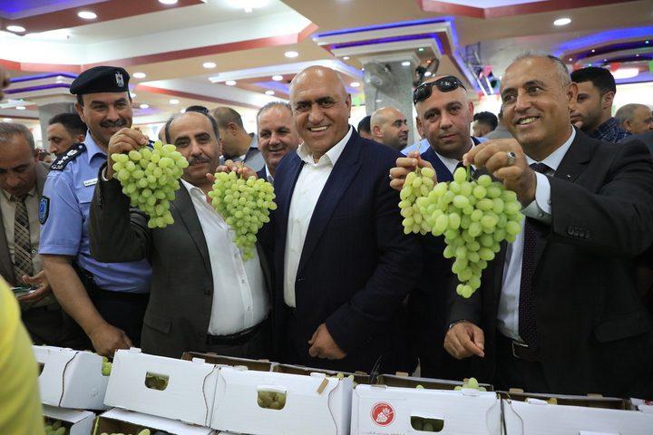 افتتاح مهرجان العنب والمنتجات النسوية في محافظة جنين