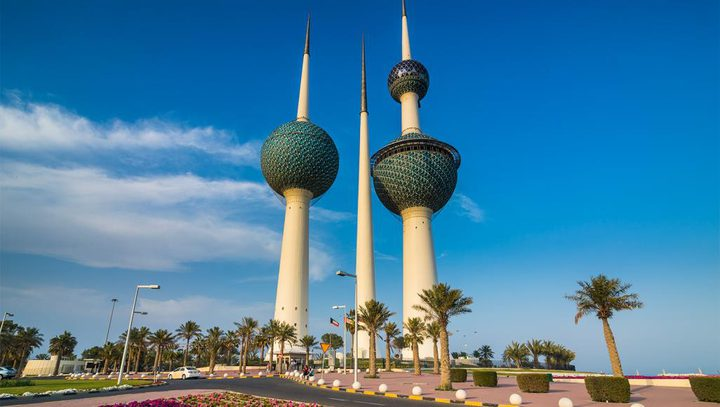 الكويت تلغي إقامات العاملين غير المسجلين