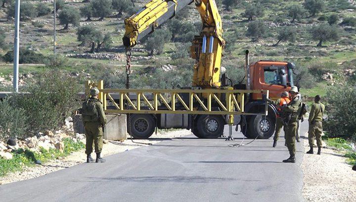 اغلاق الطرق الرئيسية غرب رام الله وتفتيش لمركبات المواطنين
