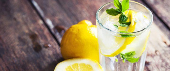 الماء والليمون يسبب تساقط أسنانك