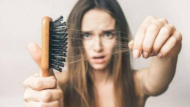 سبب غير مألوف لتساقط الشعر