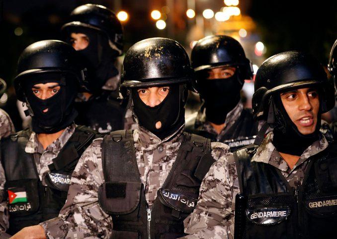 """الأمن الأردني يكشف """"دوافع"""" إطلاق النار في البتراء"""