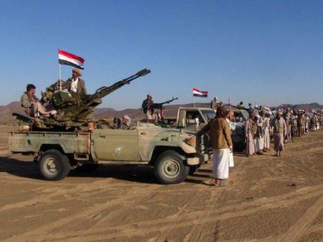 """""""الحوثيون"""" يستهدفون تجمع للجيش السعودي في نجران"""