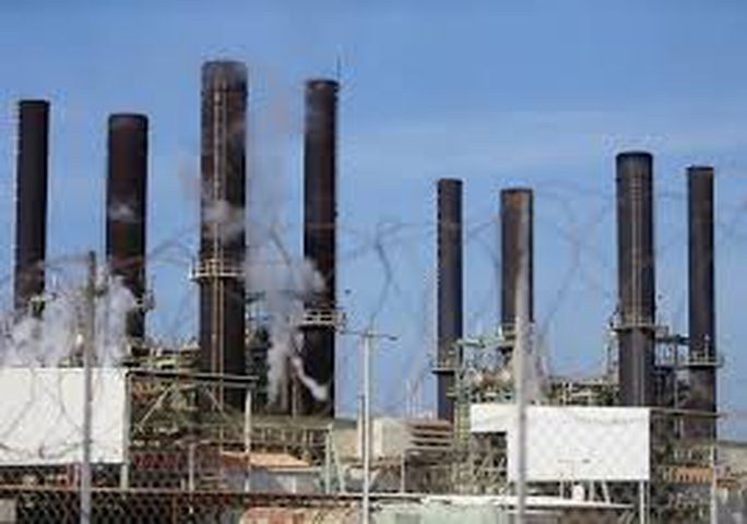 الاحتلال يقلص كمية الوقود الواصلة لغزة