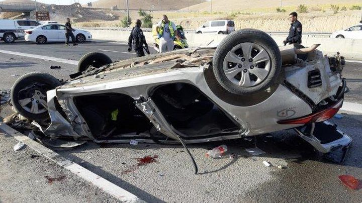 القبض على سائق تسبب بحادث سير وانقلاب مركبة