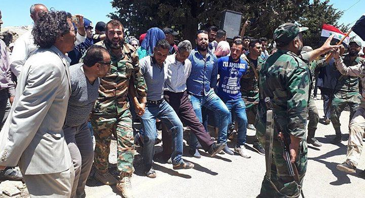 """احتفالات بعد سيطرة الجيش السوري على """"خان شيخون"""""""