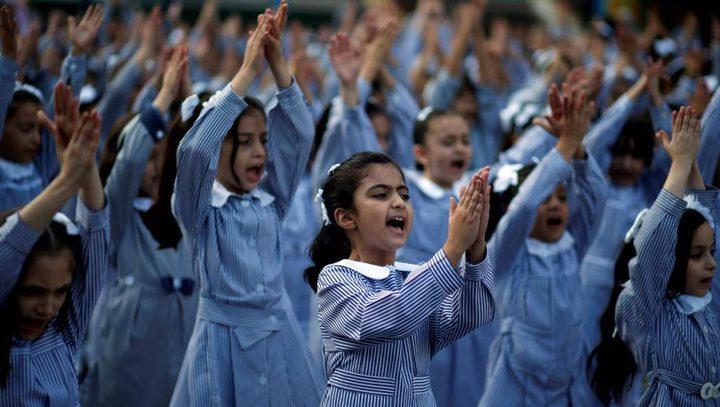 """أزمات """"الأونروا"""" السياسية والمالية لم تعكّر افتتاح مدارسها"""