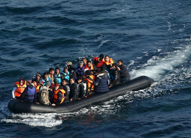 خفر السواحل التركي يضبط مهاجرين بينهم فلسطينيين