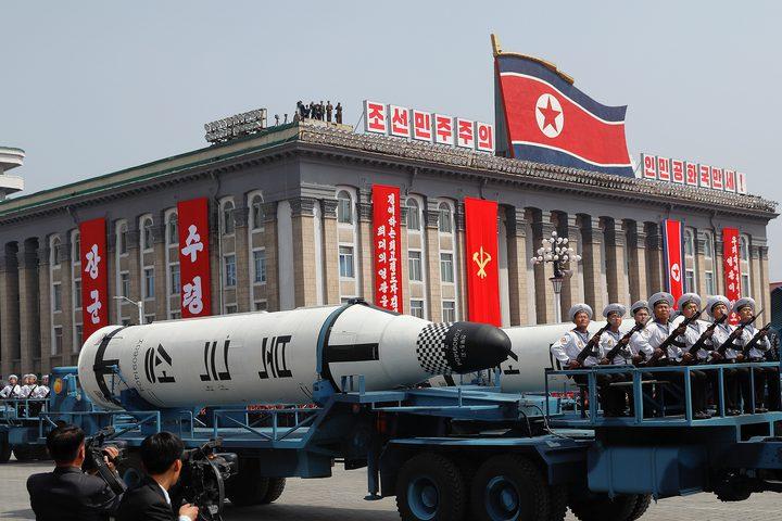 """اليابان تكشف: كوريا الشمالية تطور """"صواريخ خارقة"""""""