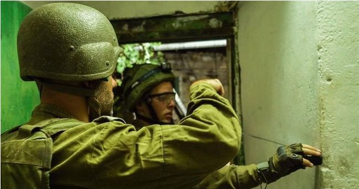 الاحتلال ياخذ قياسات منازل المتهمين بقتل جندي في عتصيون