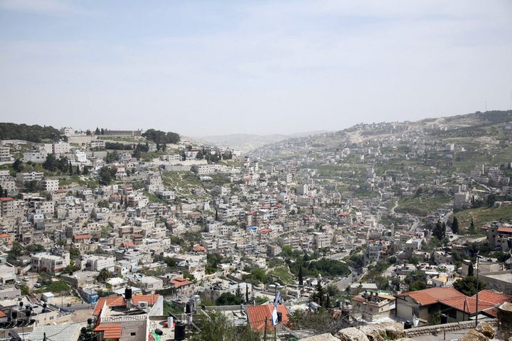 الاحتلال يقتحم مركز معلومات وادي حلوة في سلوان