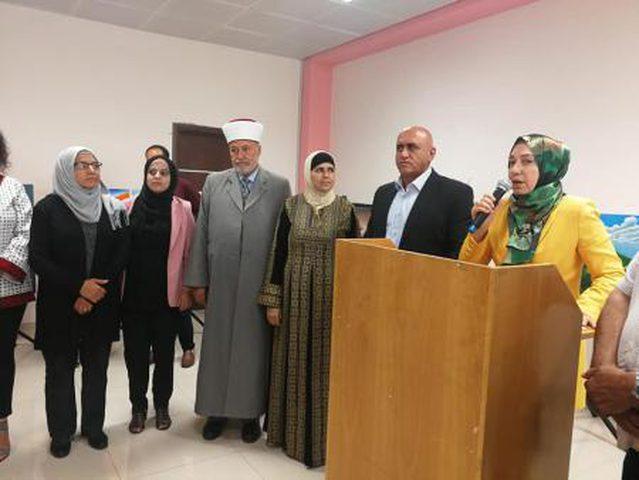 """افتتاح معرض """"بالريشة والقصيدة نلون القدس"""" في جنين"""