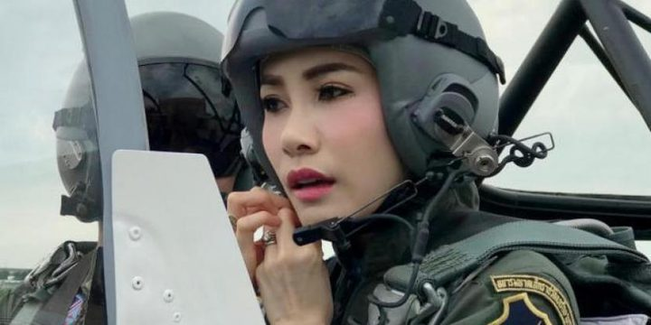 زوجة ملك تايلاند تنشر صور تظهر قدراتها العسكرية