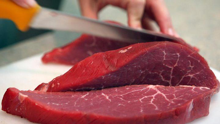 دراسة: الإكثار من تناول اللحوم يؤدي إلى إصابة النساء بسرطان الثدي
