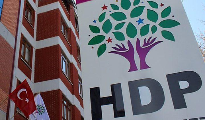 """محافظون أتراك يحتجون على إقالتهم ويصفون القرار بـ """"الانقلاب"""""""