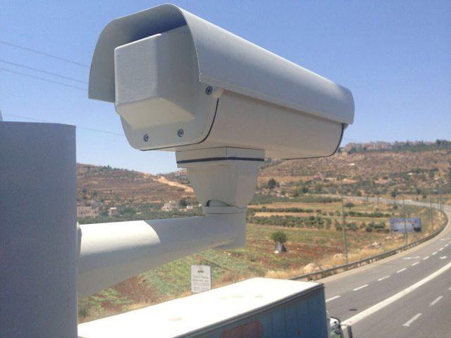الاحتلال ينصب كاميرات مراقبة غرب بيت لحم