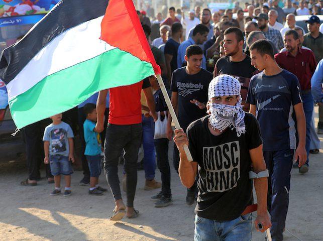 """المواطنون في غزة يستعدون لجمعة"""" الوفاء للشهداء"""""""