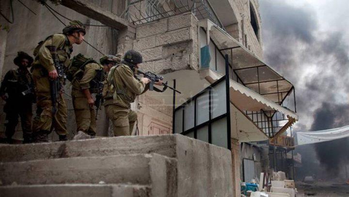 الاحتلال يقتحم منزل أمين سر فتح في حلحول
