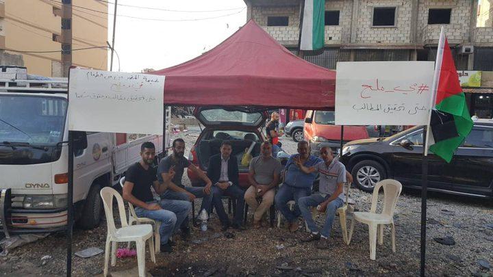 ثلاثة فلسطينيين يخوضون إضرابا مفتوحا عن الطعام