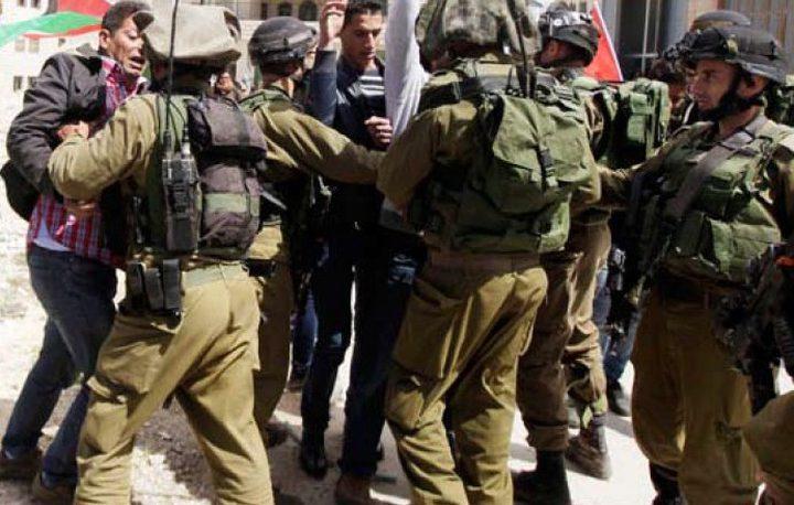 الاحتلال يعتقل فتىً من قلقيلية قرب الحاجز الشمالي