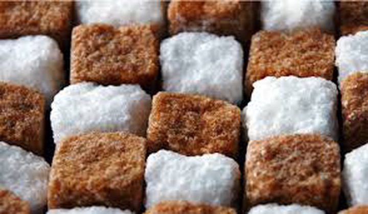السكر البني والسكر الأبيض أيهما أفضل للجسم؟
