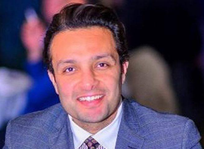 الفنان المصري وائل عبد العزيز يعلن خطوبته