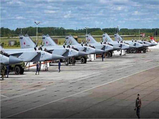 الدفاعات الجوية السورية تعترض طائرات مُسيرة تستهدف قاعدة حميميم