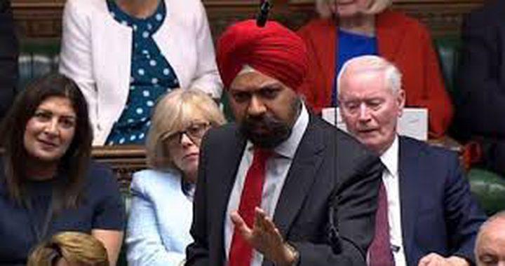 نائب من أصول هندية يطلب من جونسون الاعتذار للنساء المسلمات
