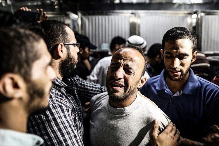 صور من وداع جثمان الشهيد الطفل خالد إياد الربعي (14 عامًا) الذي قضى برصاص الاحتلال شرق مدينة غزة.