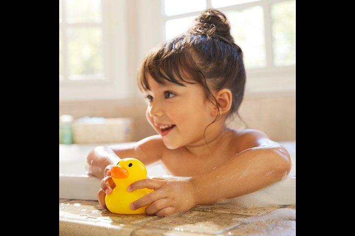 استحمام الطفل بطريقة آمنة