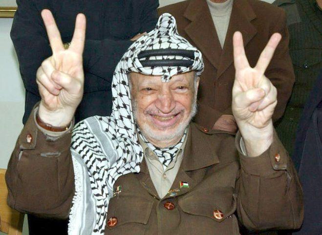 كاتب إسرائيلي يكشف عرفات كان ينوي تدمير إسرائيل بعد أوسلو
