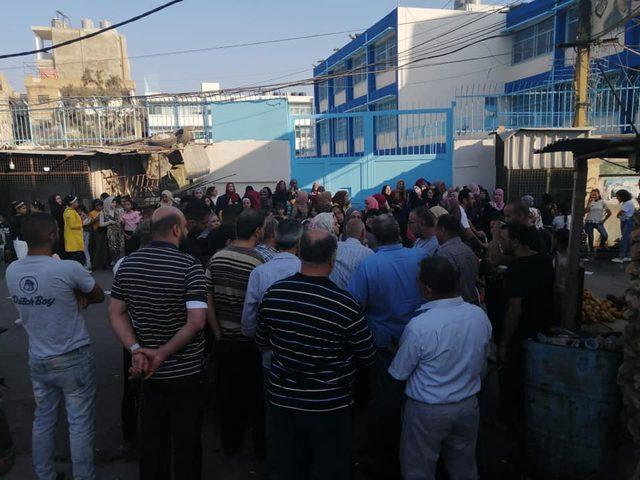 """طلبة المخيمات وذويهم في لبنان يصعّدون في وجه """"الأونروا"""""""
