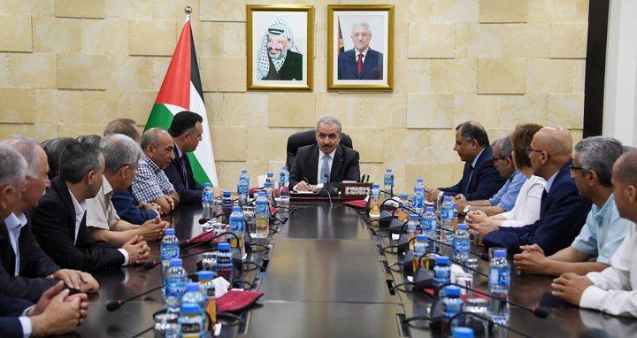 اشتية يتعهد بإنهاء اشكاليات موظفي الإعلام الرسمي المالية في غزة