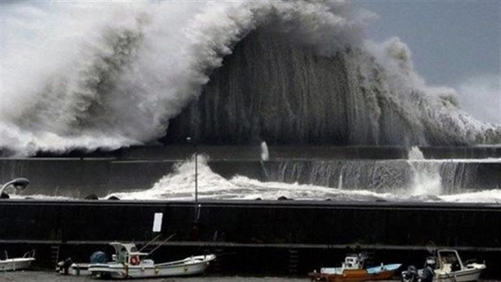 طوكيو تواجه إعصارا عنيفا.. يدعى فاكساي