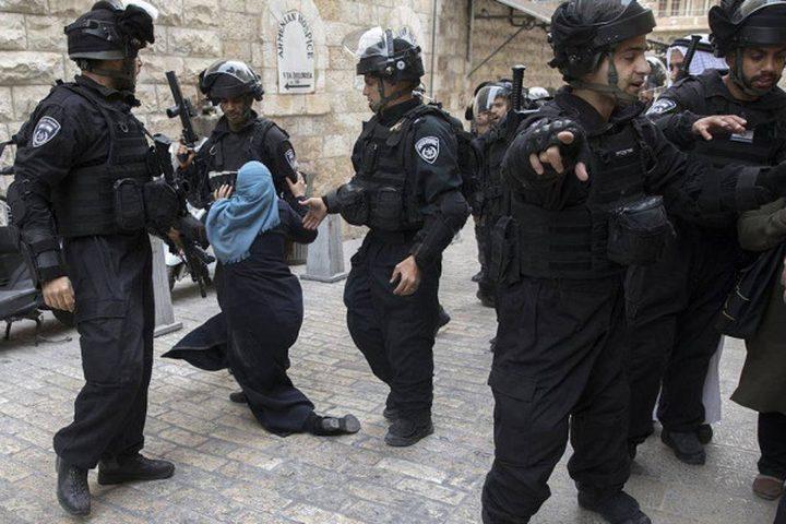 الاحتلال يعتقلمقدسية ويستدعيآخرين للتحقيق