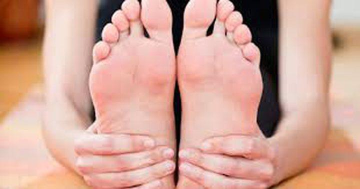 علاج تورم القدمين في دقائق
